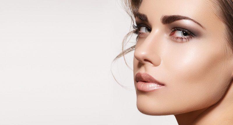 Come creare un trucco leggero e duraturo per l'estate con QStudio Make-up RP!