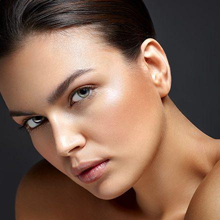Per una perfetta resa fotografica e realizzato con prodotti specifici QStudio Make-up R.P, questo tipo di trucco si può utilizzare per fotografie, book fotografici o per provini.</p> <p>57.00€ per 1h